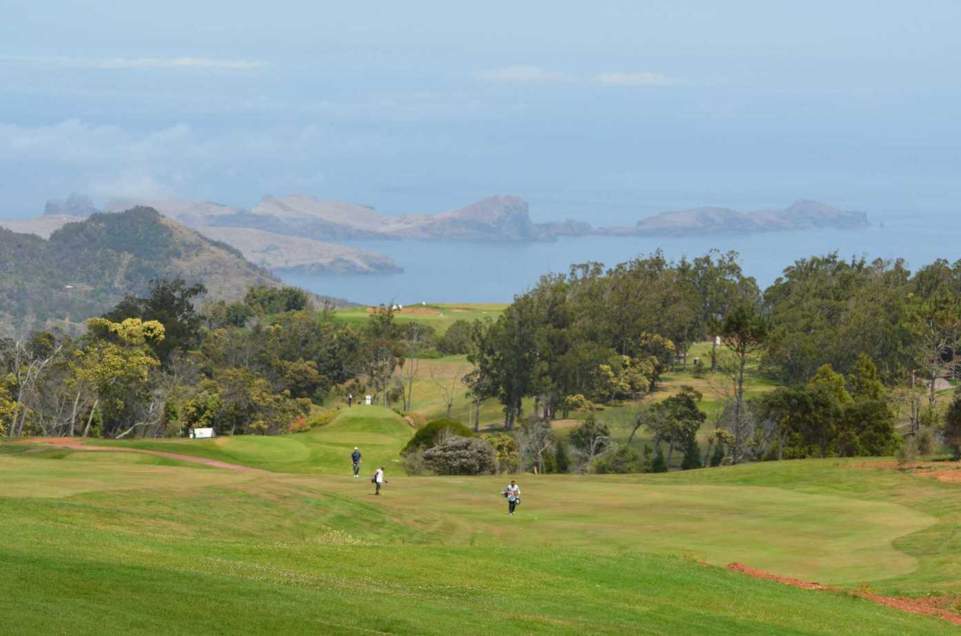 Golf course Santo da Serra
