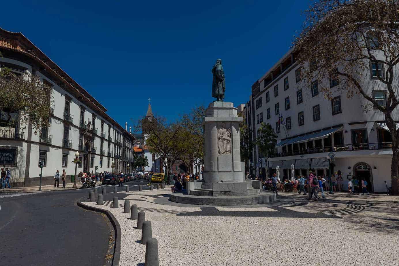 Funchal Arriaga Avenue - Zarco statue